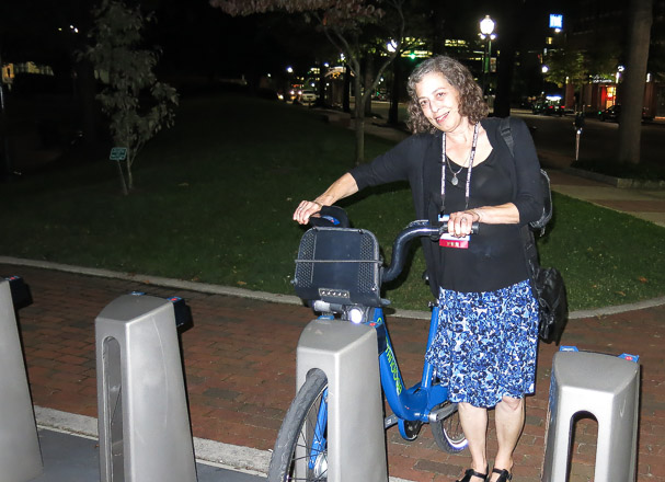 Fellow SEJer and NPR reporter Karen Schaefer contemplates renting a bike to explore Chattanooga.